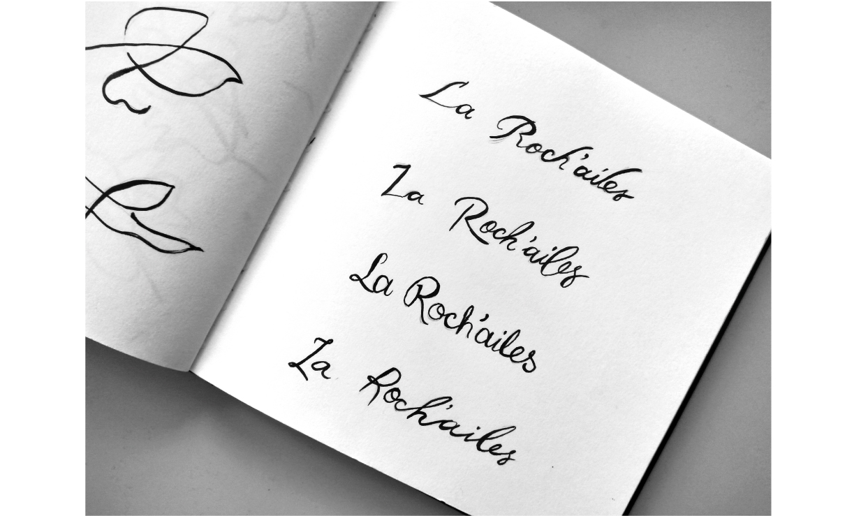 recherches typographiques logo la roch'ailes asbl