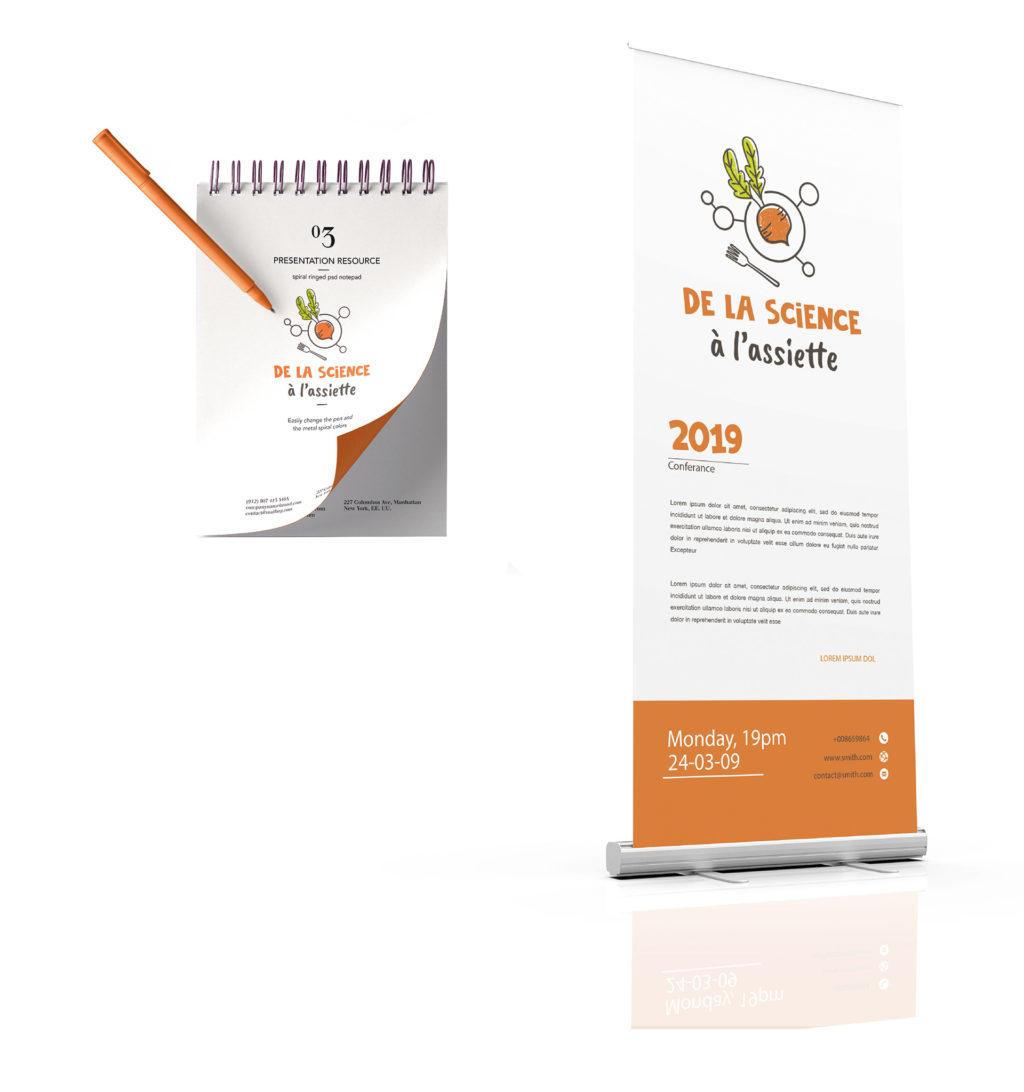 Banniere roll-up et carnet de notes avec le logo de la Science à l'Assiette